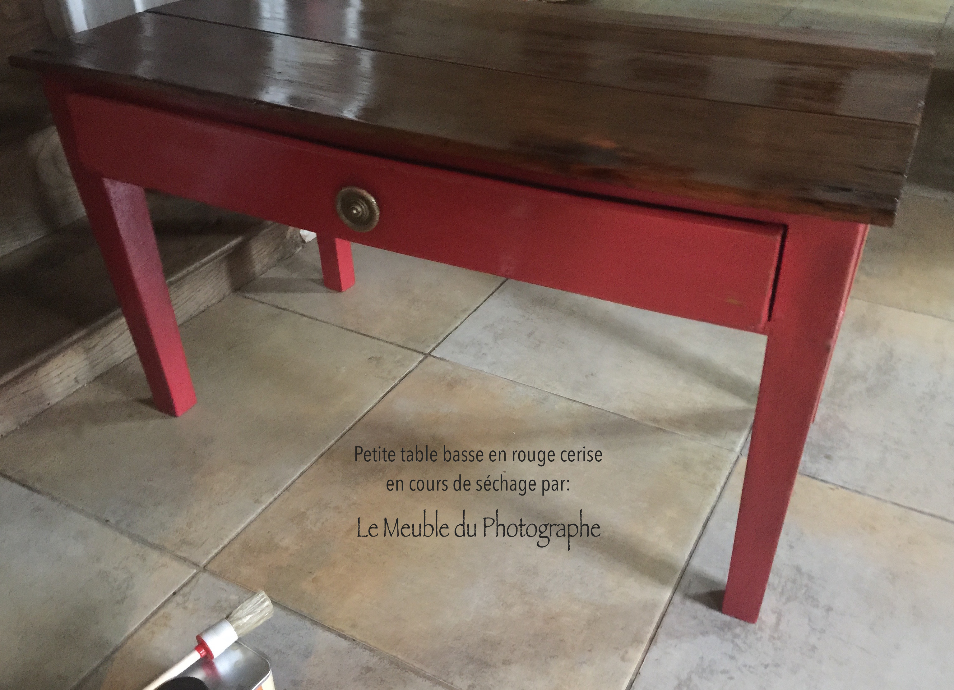 Petite table basse rouge maison design - Table basse rouge laque ...