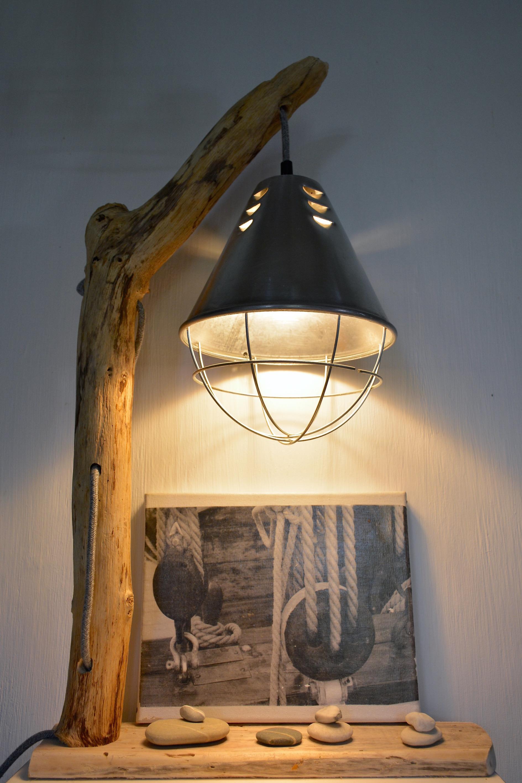 lampe poser en bois flott n 1 vendue le meuble du photographe. Black Bedroom Furniture Sets. Home Design Ideas