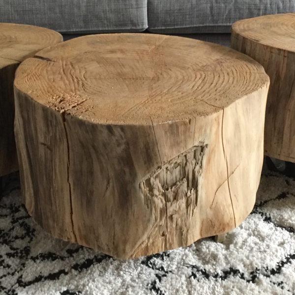 Table basse tronc d 39 arbre sur roulettes le meuble du - Tronc de bois ...